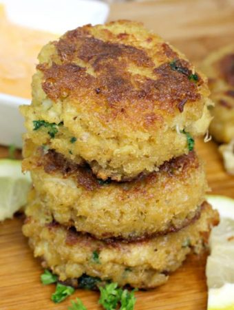 Southern Style Crab Cakes with Spicy Tartar Sauce
