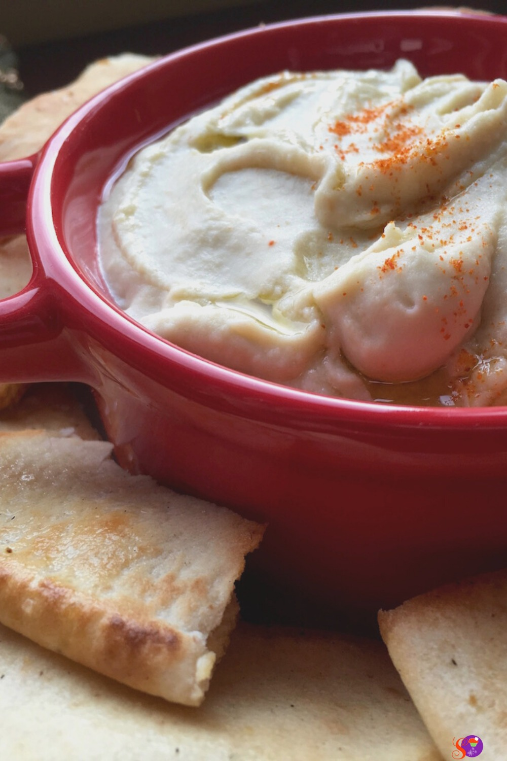 This smooth and creamy white bean dip works great as a snack or appetizer!