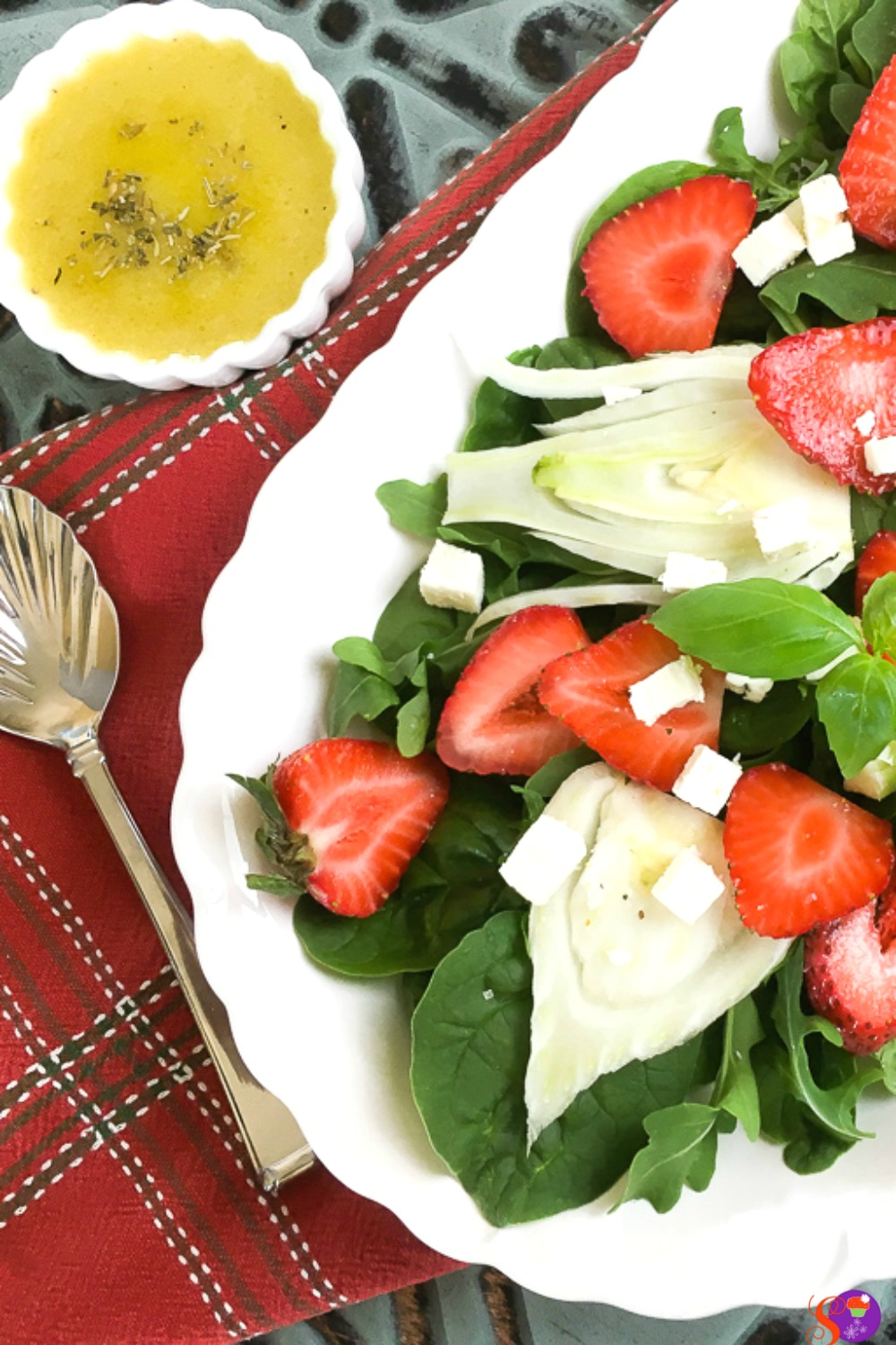 This beautiful Spinach, Strawberry and Fennel Salad with Balsamic Vinaigrette is quick and easy to prepare. It comes together in just 15 minutes, which makes it perfect for lunch or even those busy weeknight meals.