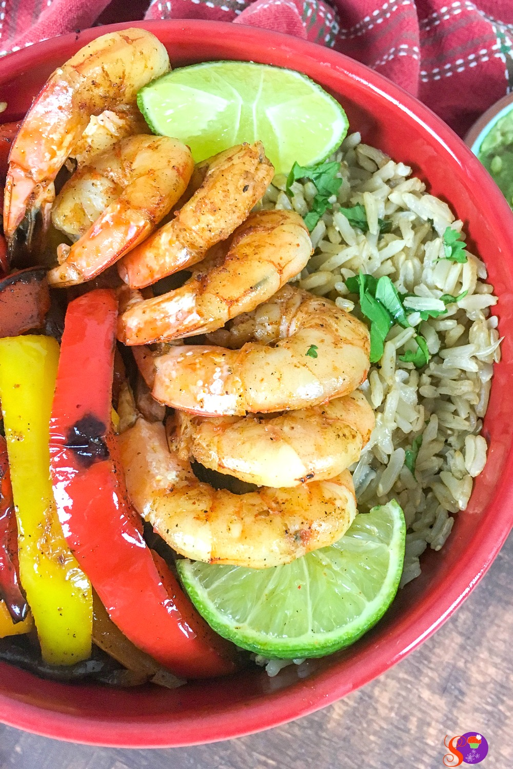 This delicious Shrimp Fajita Bowl recipe makes for a quick and easy, one-pot meal!