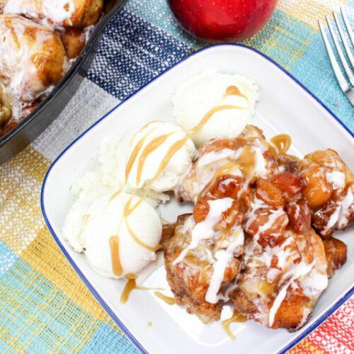 Iron Skillet Caramel Apple Pull Apart Bread